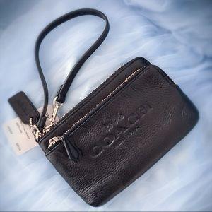 NWT Coach black double corner zip wristlet F52552